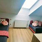 Bývaj v centre Trnavy - 1-2-3 lôžkové izby 100m od Truni