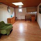 Prenajmem samostatnú podkrovnú izbu na poschodí RD v Nitre - časť Zobor